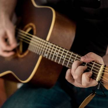 Free Guitar Jam Session – March 2020